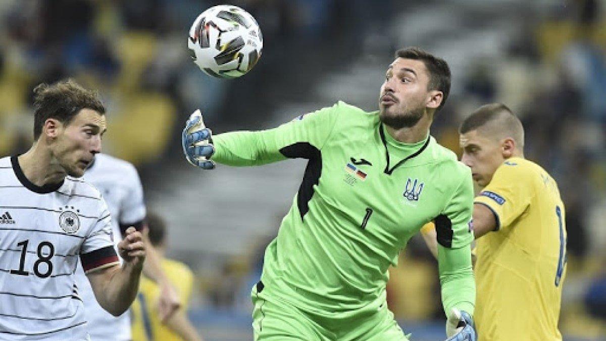 В матче Украины и Германии также могло быть 7 мячей, если бы не Бущан, – Денисов