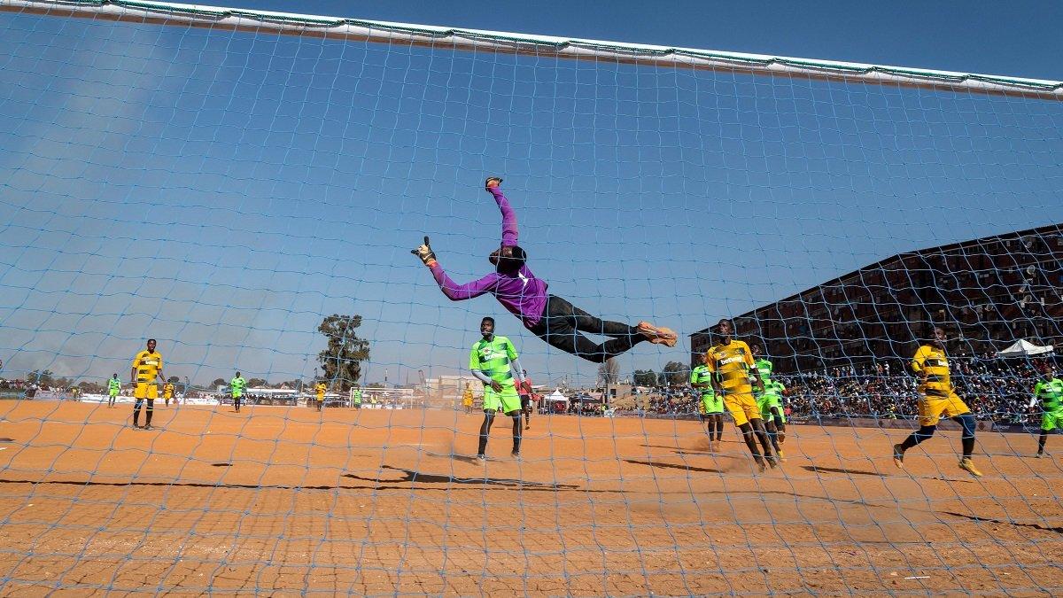 В Уганде футболисты до смерти избили одноклубника из-за пропущенного гола