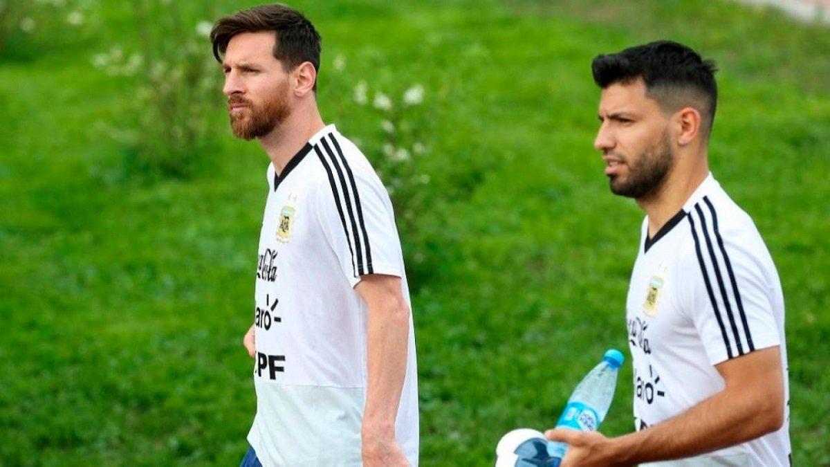 """""""Ми з Мессі наче стара подружня пара"""": Агуеро – про відносини з зіркою Барселони"""