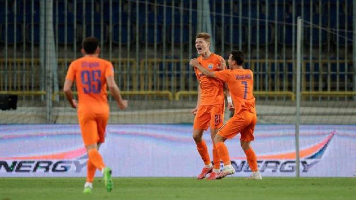 Скандальная победа азовцев в видеообзоре матча Минай – Мариуполь – 0:1