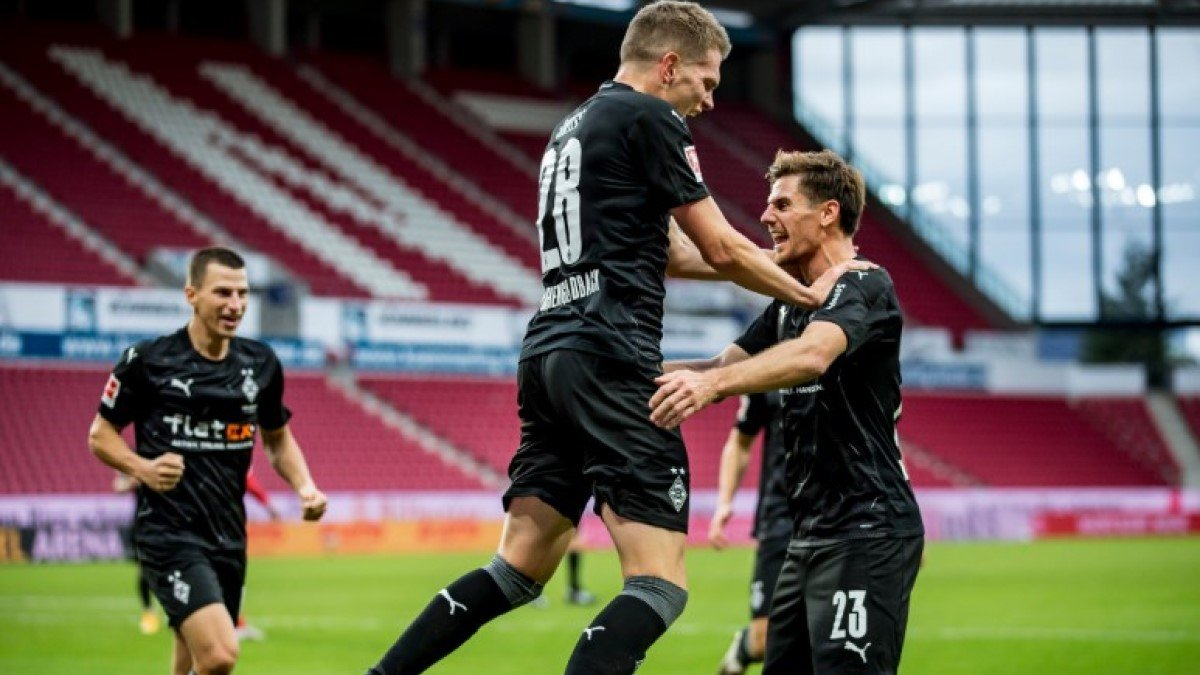 Впечатляющий камбэк соперника Шахтера в видеообзоре матча Майнц – Боруссия М – 2:3