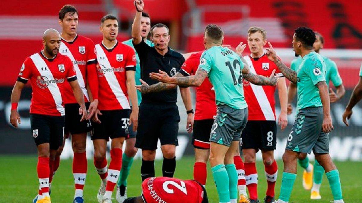 Первое поражение Эвертона в сезоне в видеообзоре матча против Саутгемптона – 0:2