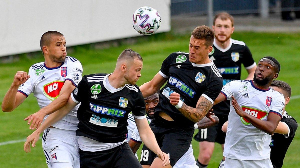 Петряк загрожує лідерству Реброва – Фехервар оформив четверту перемогу в сезоні