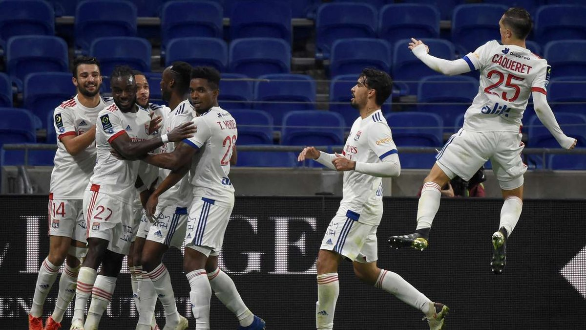 Лига 1: Лион с ляпом вратаря вырвал победу у Сент-Этьена, Брест перестрелял Лилль, безумие Ланса и Реймса