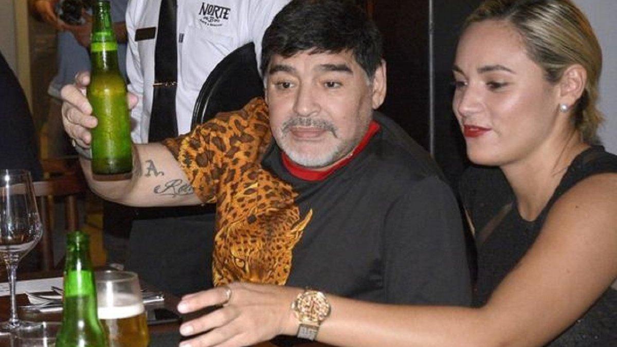 Марадона знову повернувся у клініку – легенду лікуватимуть від алкогольної залежності