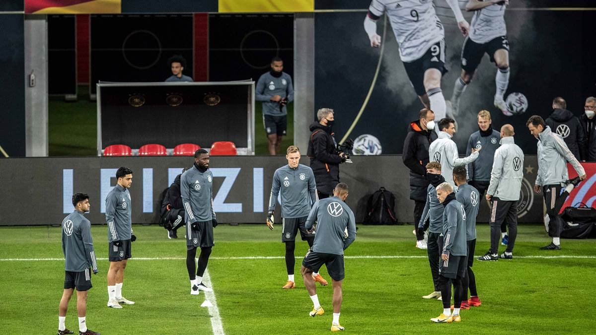 Германия узнала результаты тестирования на COVID-19 перед матчем с Украиной