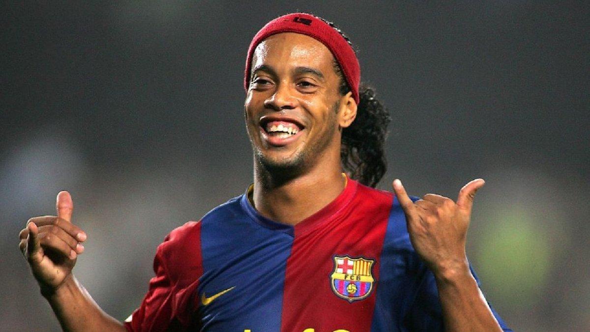 Роналдінью 15 років тому зробив посміховисько з оборони Реала – зірці Барселони аплодував весь Сантьяго Бернабеу