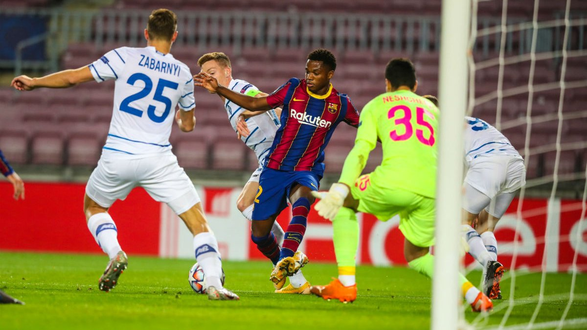Динамо – Барселона: УЄФА оголосив бригаду арбітрів на матч Ліги чемпіонів