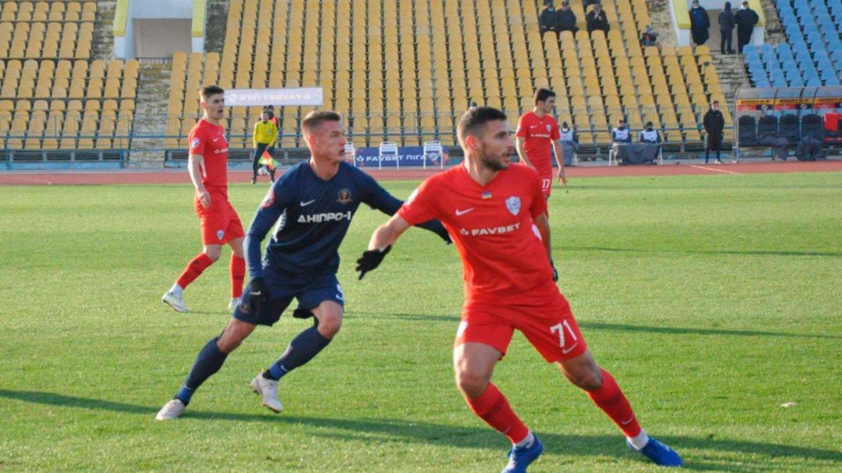 Минай удержал победу над СК Днепр-1 в матче с пятью голами, тремя пенальти и удалением