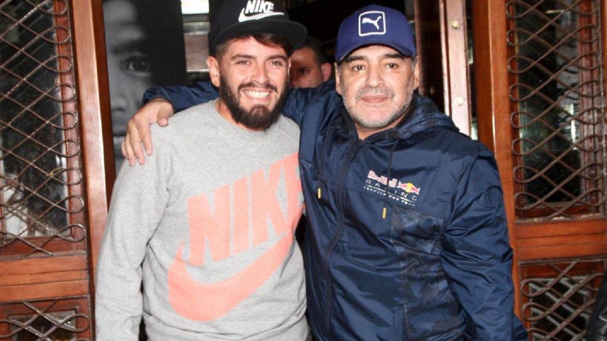 Барселона должна вывести из обращения 10-й номер, – сын Марадоны