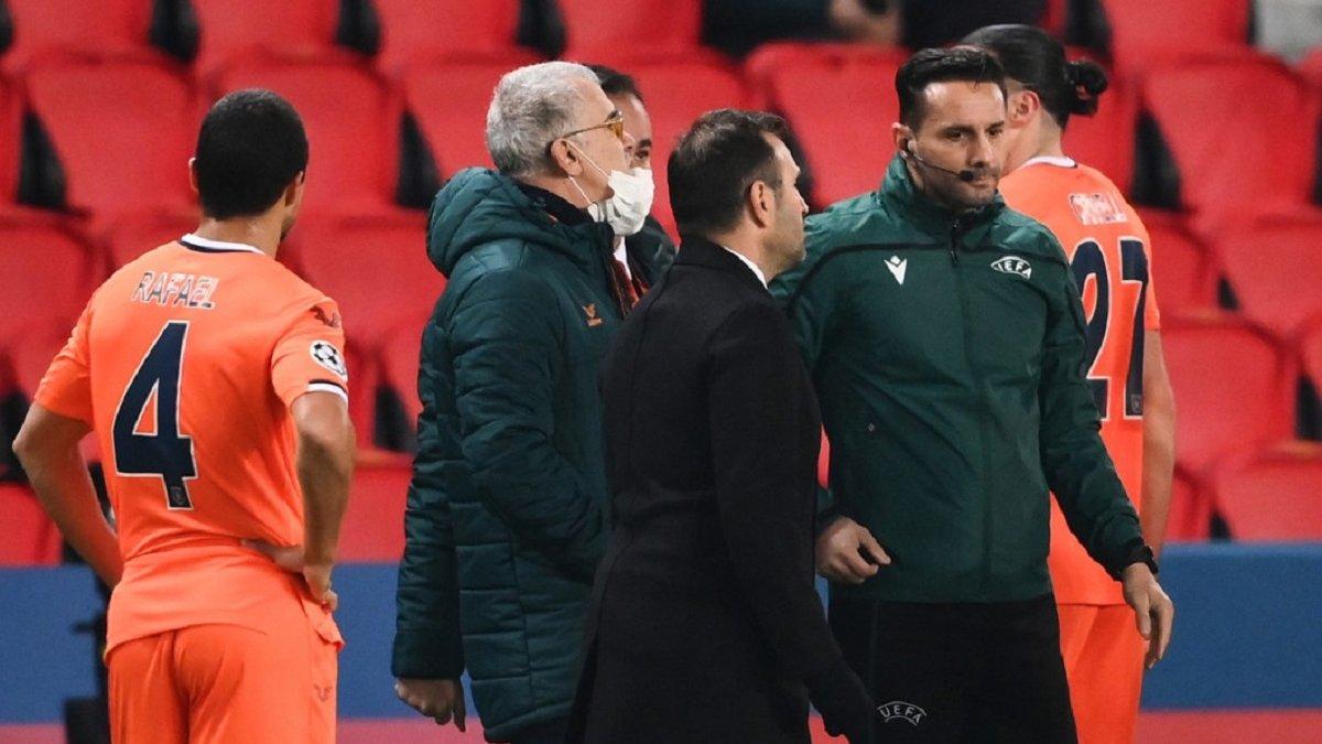 Тренер Башакшехира угрожал арбитру – румынское СМИ расшифровало слова наставника в скандальном матче против ПСЖ