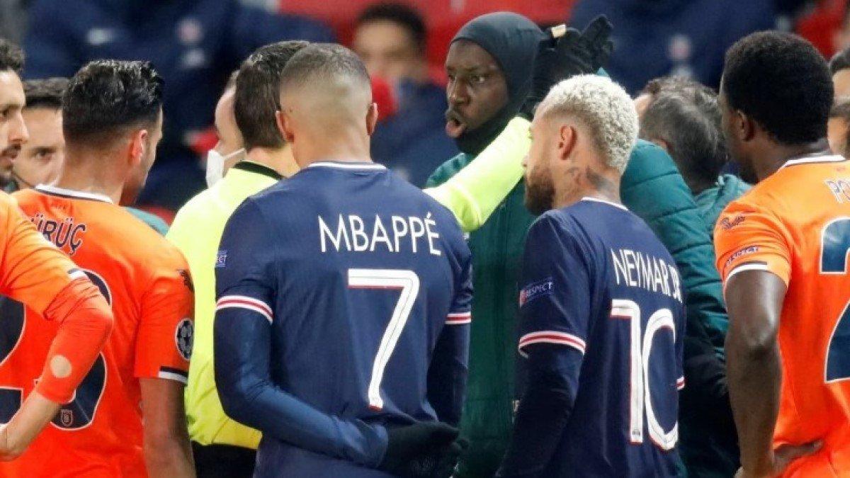 Демба Ба примирился с арбитром матча ПСЖ – Башакшехир после расистского скандала в Лиге чемпионов
