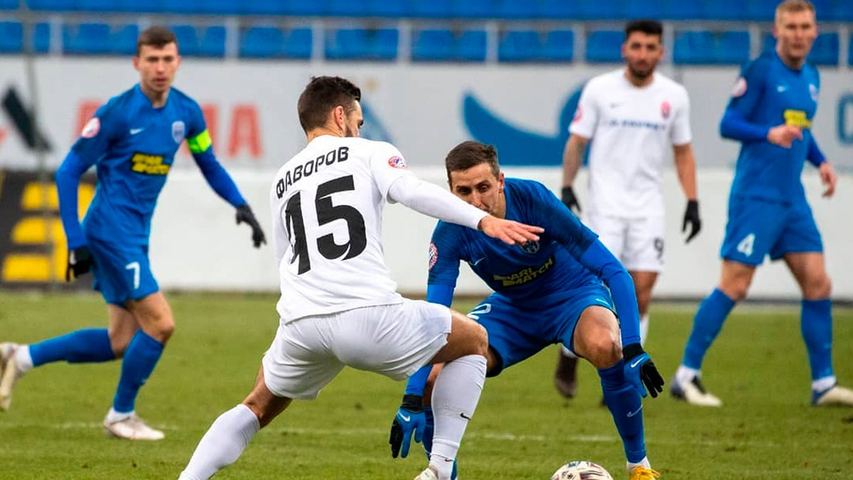 Зоря вийшла у чвертьфінал Кубка України, втримавши перемогу над Десною у скандальному матчі з двома вилученнями