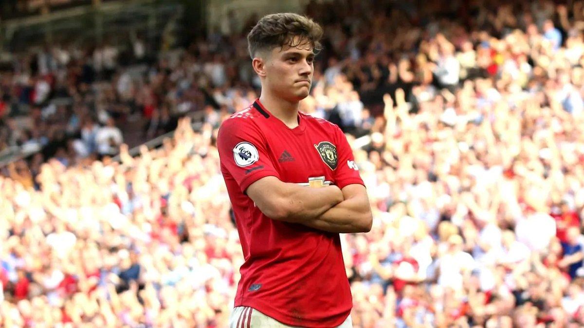 Лидс хочет арендовать полузащитника Манчестер Юнайтед
