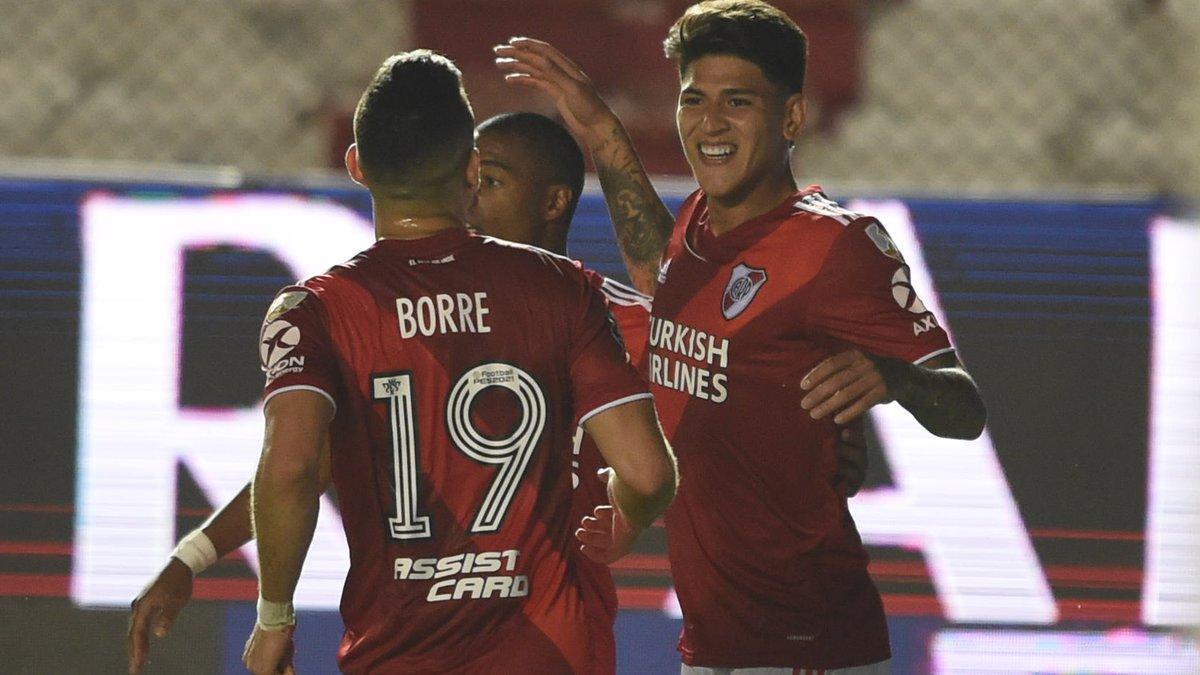 Карраскаль эффектным голом присоединился к разгромной победе Ривер Плейт в Кубке Либертадорес