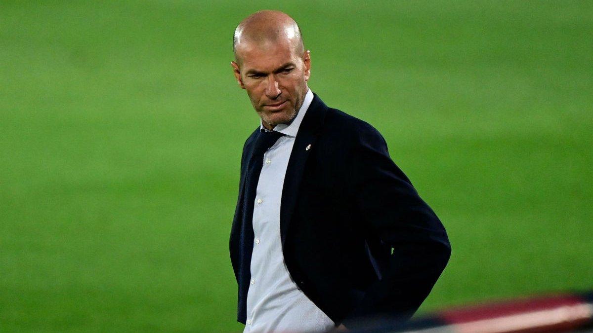 Зидан: У меня контракт с Реалом до 2022 года, я не собираюсь ничего просить