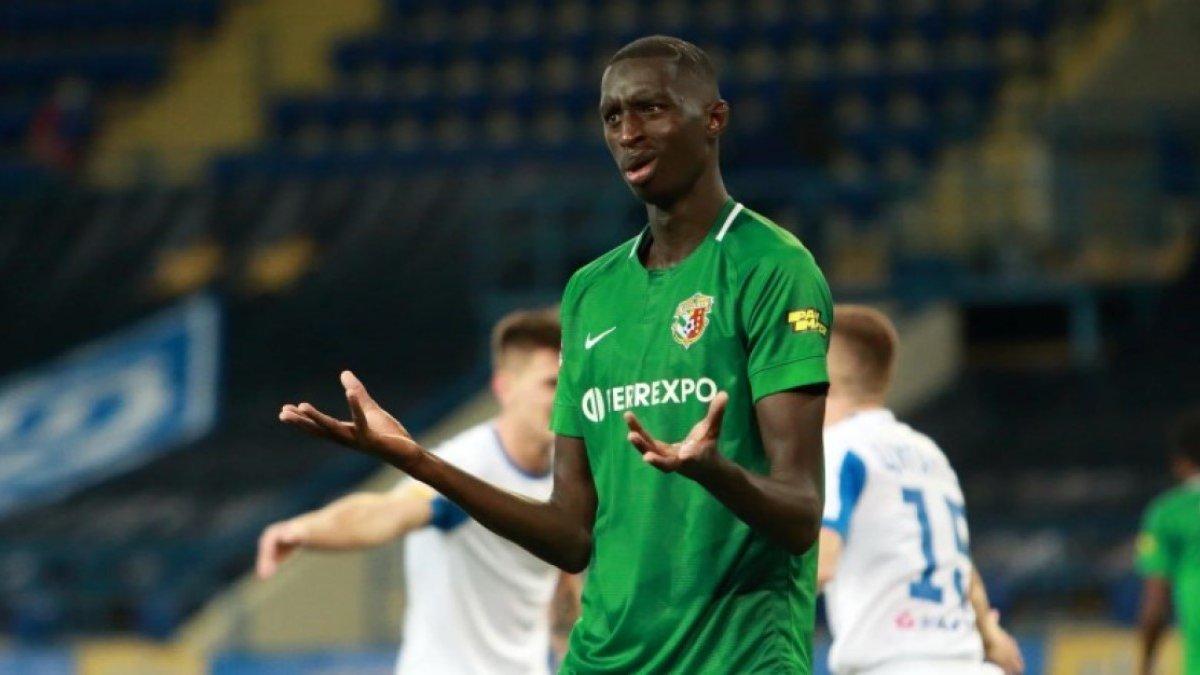 Хавбек Ворсклы Ндиайе заинтересовал Брагу и Вест Хэм, – Goal