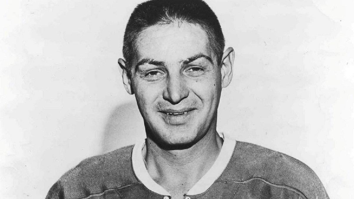 """""""Його обличчя нагадувало руїну"""": 400 шрамів, депресія і алкоголь – найкращий голкіпер в історії НХЛ був українцем"""