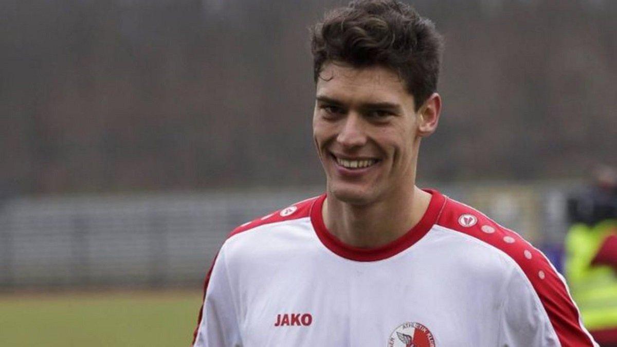 Украинский футболист самостоятельно выиграл дело у иранского клуба, который вынужден погасить долги за 2,5 года