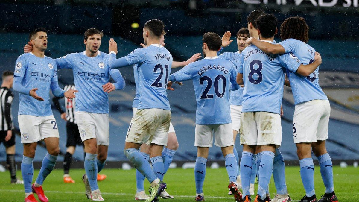 Манчестер Сити без Зинченко уверенно победил Ньюкасл, Эвертон одолел Шеффилд Юнайтед и поднялся на второе место АПЛ