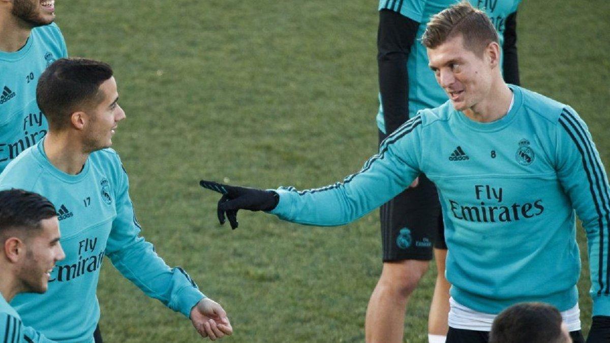Кроос показав, як грає у бадмінтон проти мами – зірку Реала висміяв власний партнер