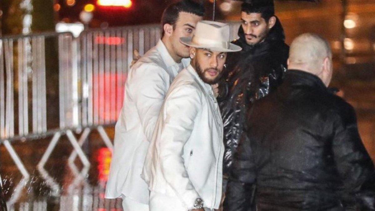 Адвокаты Неймара опровергли информацию о грандиозной вечеринке