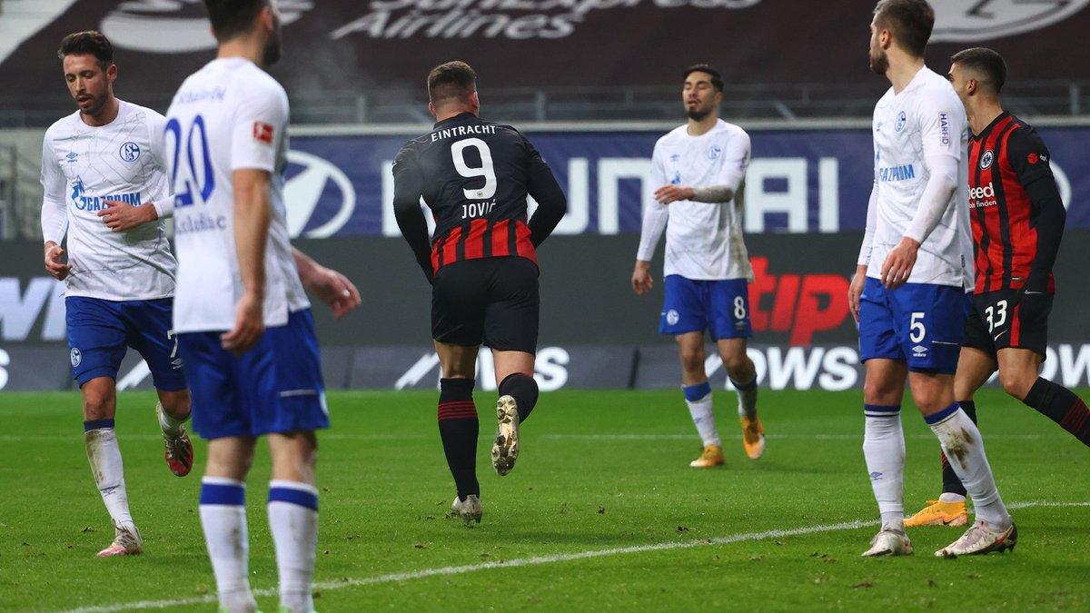 Триумфальное возвращение Йовича в видеообзоре матча Айнтрахт – Шальке – 3: 1