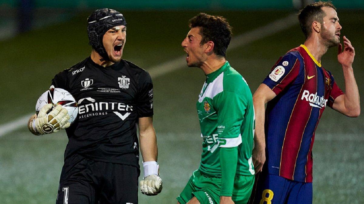 Барселона драматично прошла Корнелью в Кубке Испании, не забив два пенальти за матч