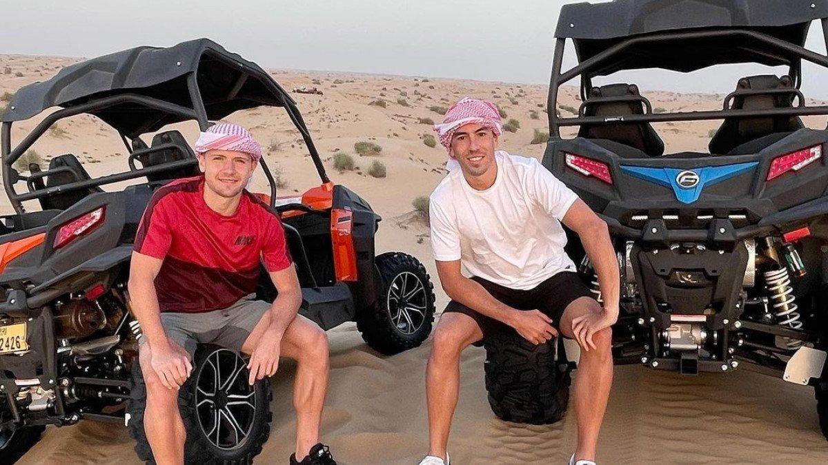 Де Пена и Дуэлунд наслаждаются активным отдыхом после сбора в ОАЭ