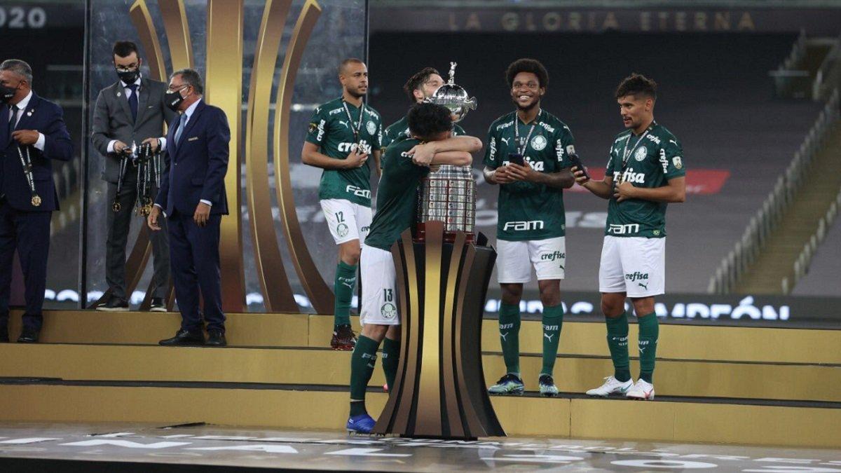 Луїс Адріано з Палмейрасом яскраво відсвяткував перемогу у Кубку Лібертадорес – відео справжнього шаленства