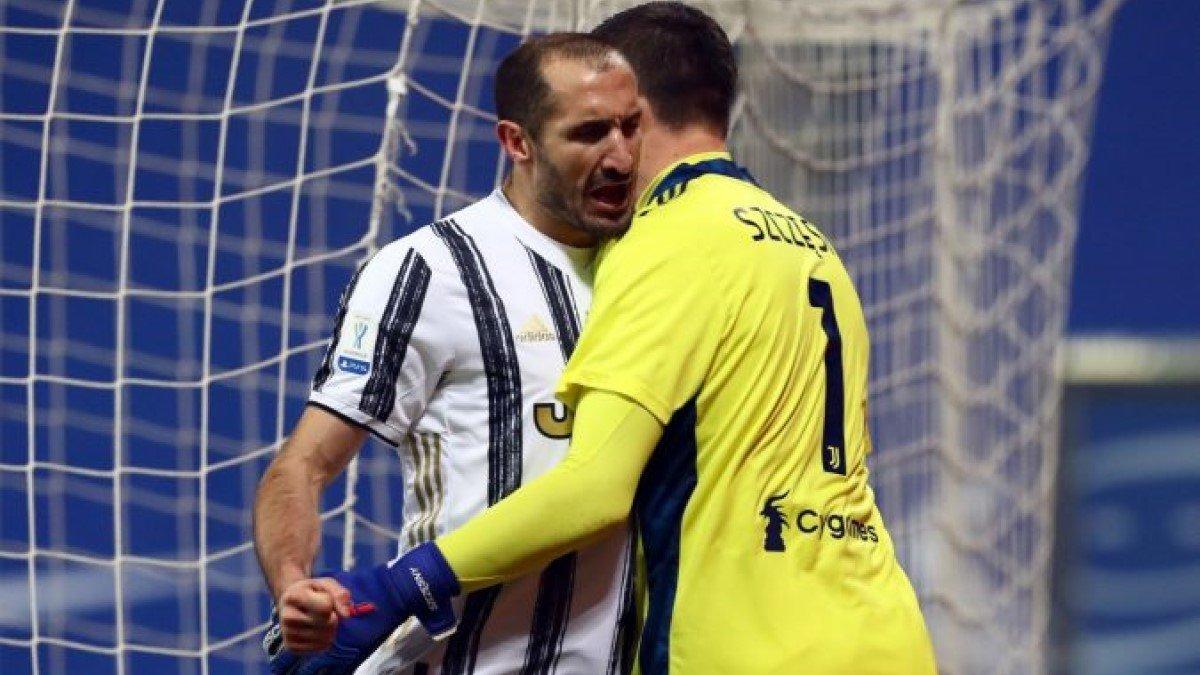 Кьеллини избежал серьезной травмы в матче Ювентуса в Лиге чемпионов