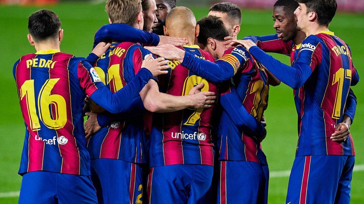 Барселона разгромила Эльче – Месси вырвался в лидеры гонки бомбардиров Ла Лиги