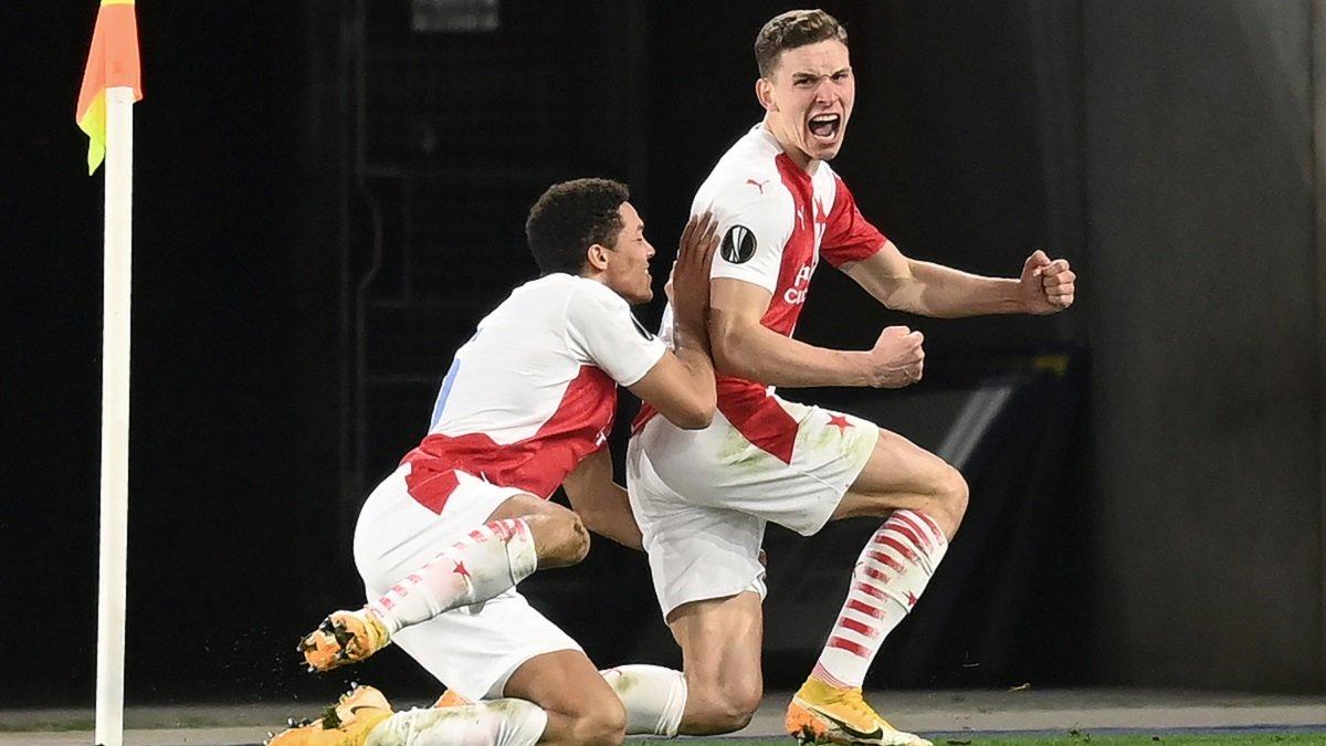 Лига Европы: Лестер сенсационно вылетел от команды украинца, Янг Бойз во второй раз одолел Байер, фиаско россиян