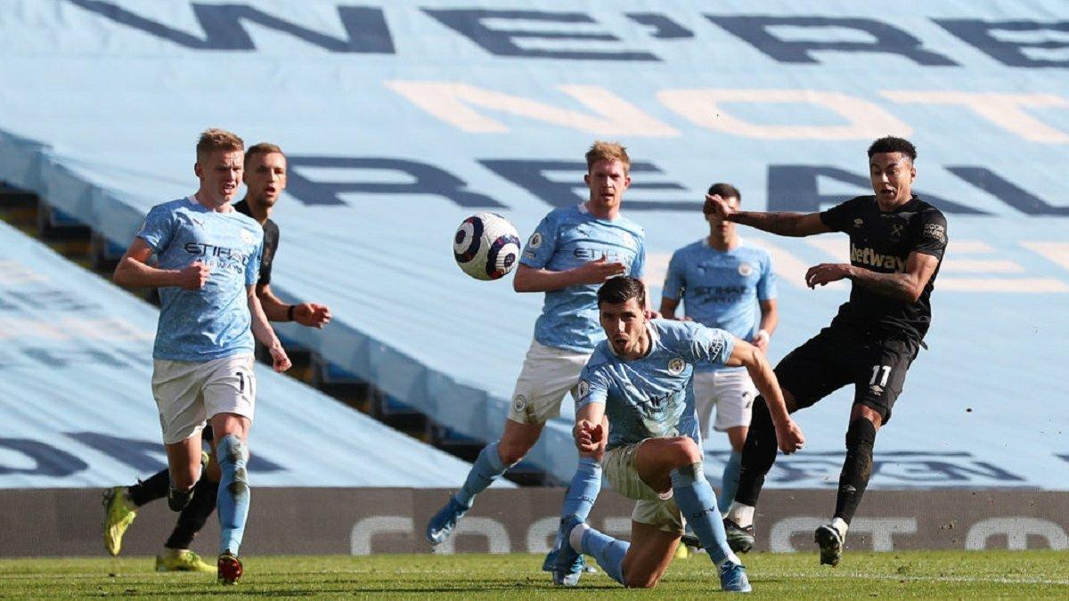 Зінченко – рекордсмен Манчестер Сіті у грі з Вест Хемом: нова роль та порівняння з гравцями Барселони і Баварії