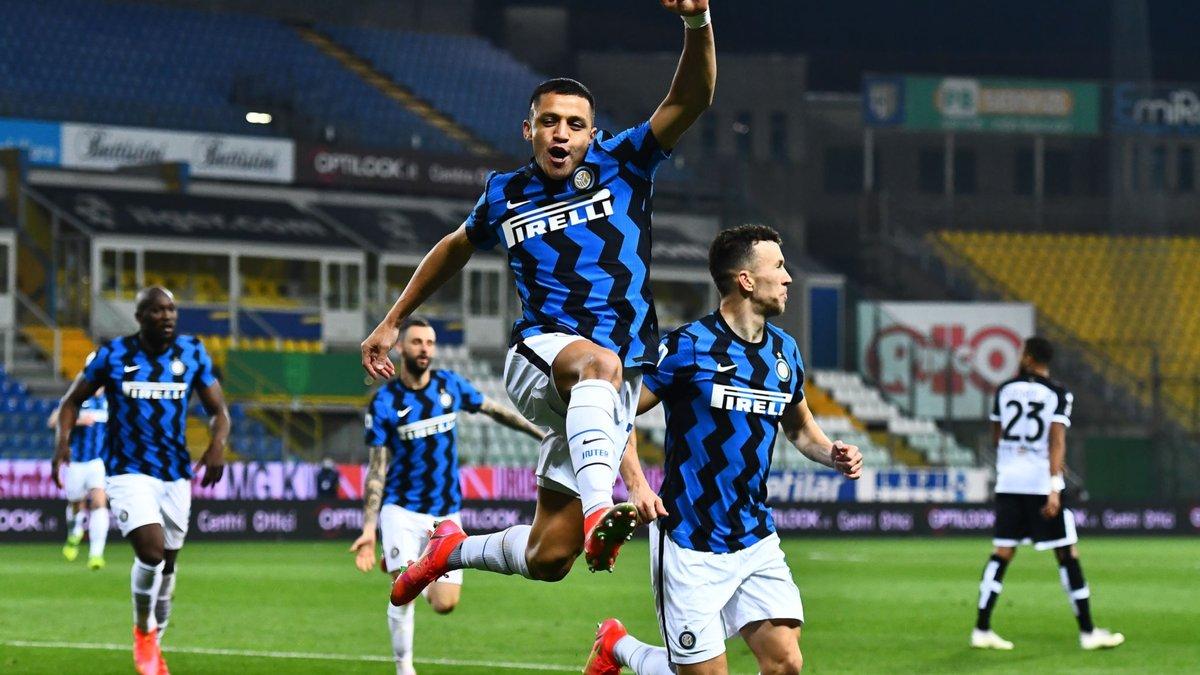 Интер благодаря дублю Санчеса одолел Парму и увеличил отрыв от Милана до 6-ти пунктов