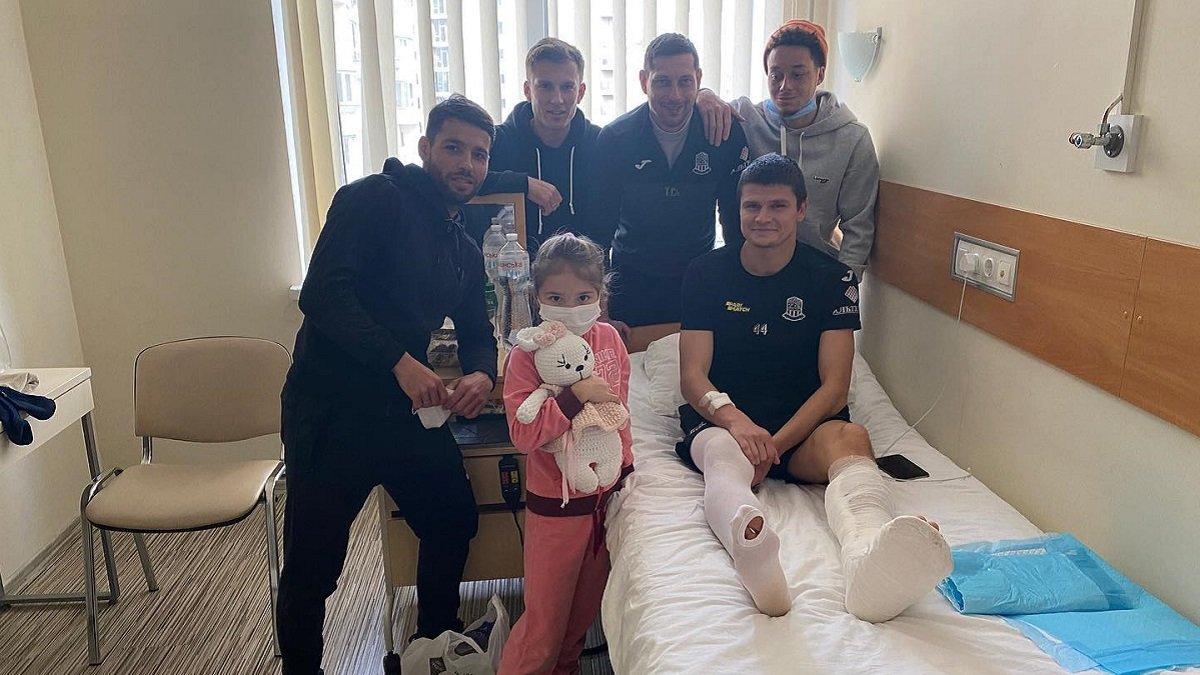 Динамо – Минай: закарпатці по-особливому підтримали травмованого капітана Олімпіка