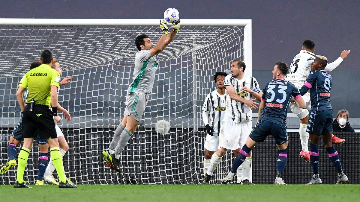 Ювентус – Наполи – 2:1 – видео голов и обзор матча