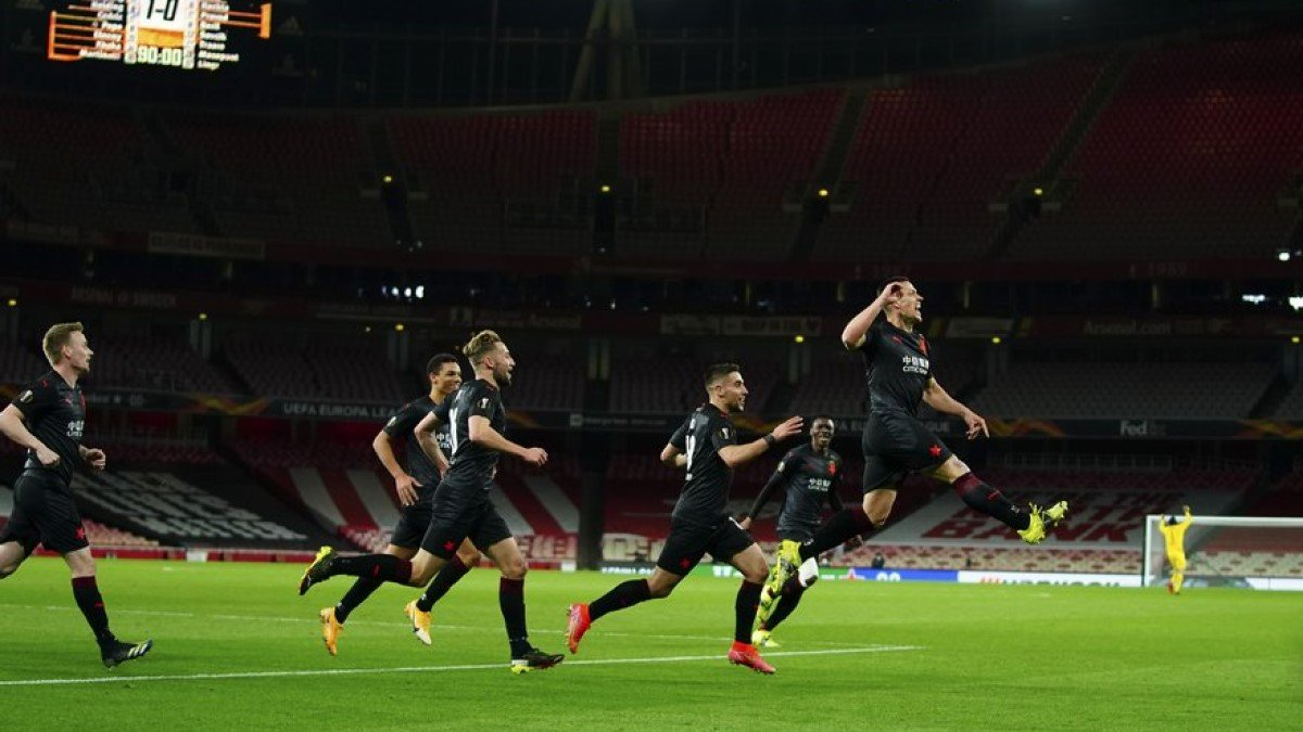 Порятунок чехів на останніх секундах у відеоогляді матчу Арсенал – Славія – 1:1