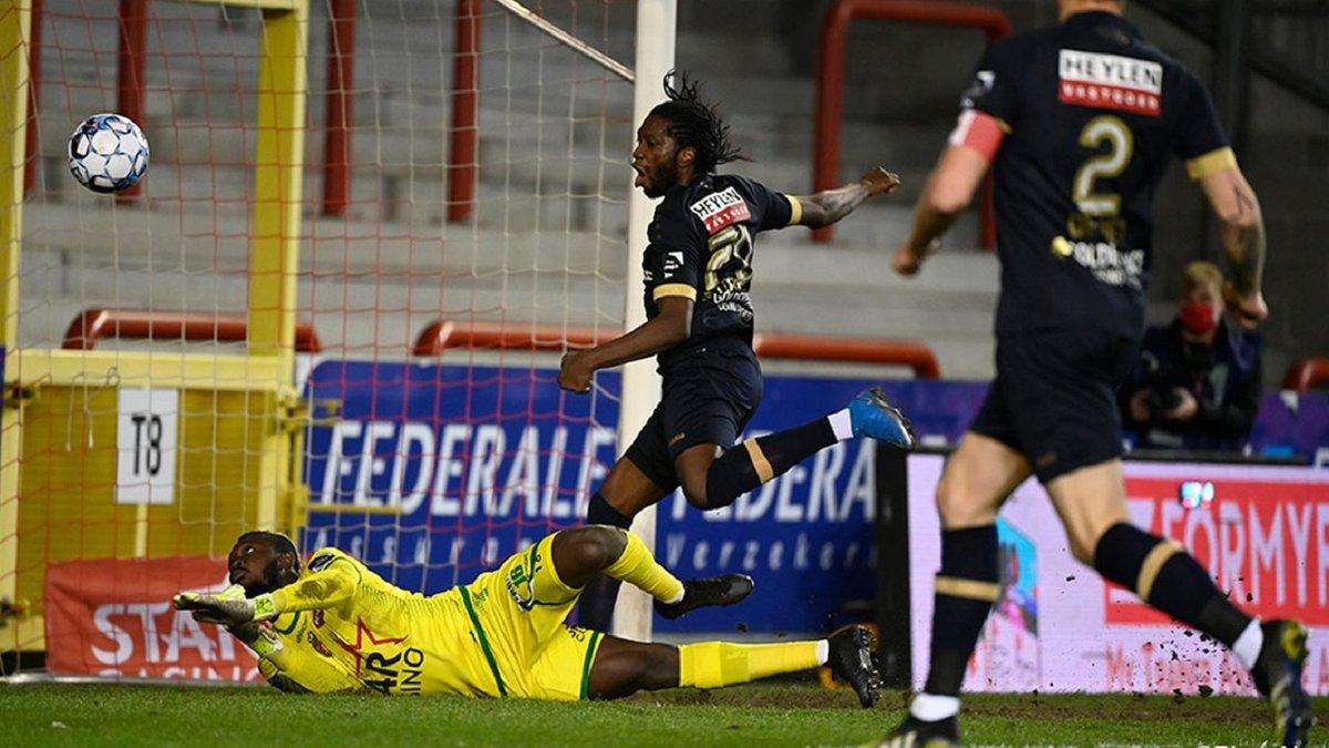 Экс-форвард Динамо дублем помог Антверпену вернуться на второе место чемпионата Бельгии