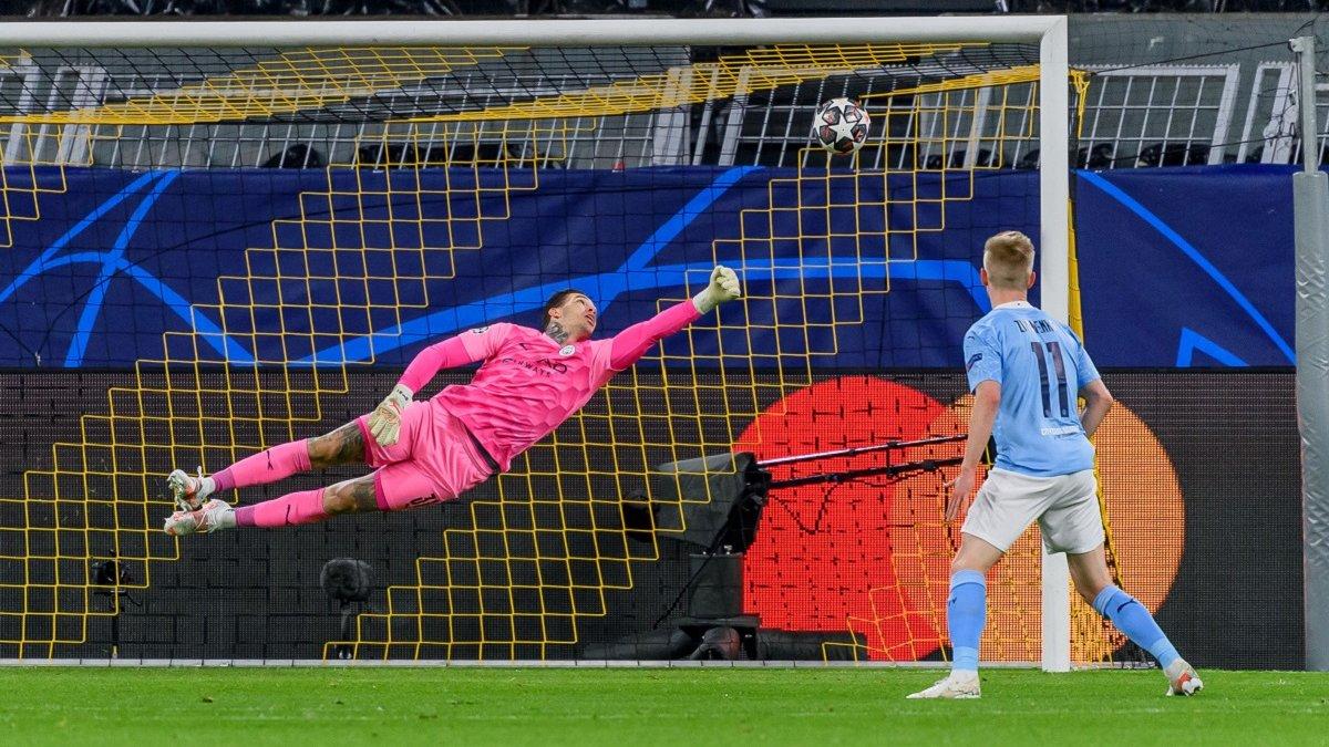Борусія Д – Манчестер Сіті: Зінченко обмінявся футболками з Холандом після матчу ЛЧ – з форварда кепкують у соцмережах