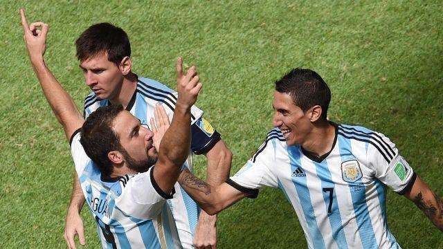 Світ в очікуванні другої гри півфіналу ЧС-2014 з футболу. Аргентина - Голландія (анонс матчу)