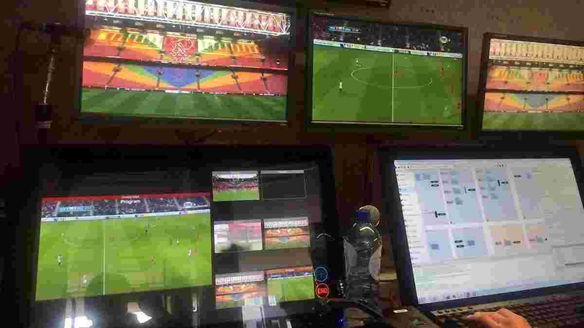 Видеоповторы, впервые использованные в официальном матче, помогли удалить игрока