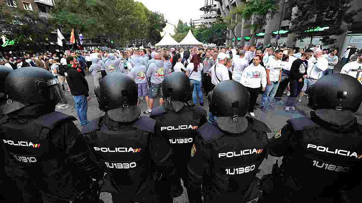 """Ультрас """"Легії"""" жорстоко побились з поліцією Мадрида – з'явилось відео"""