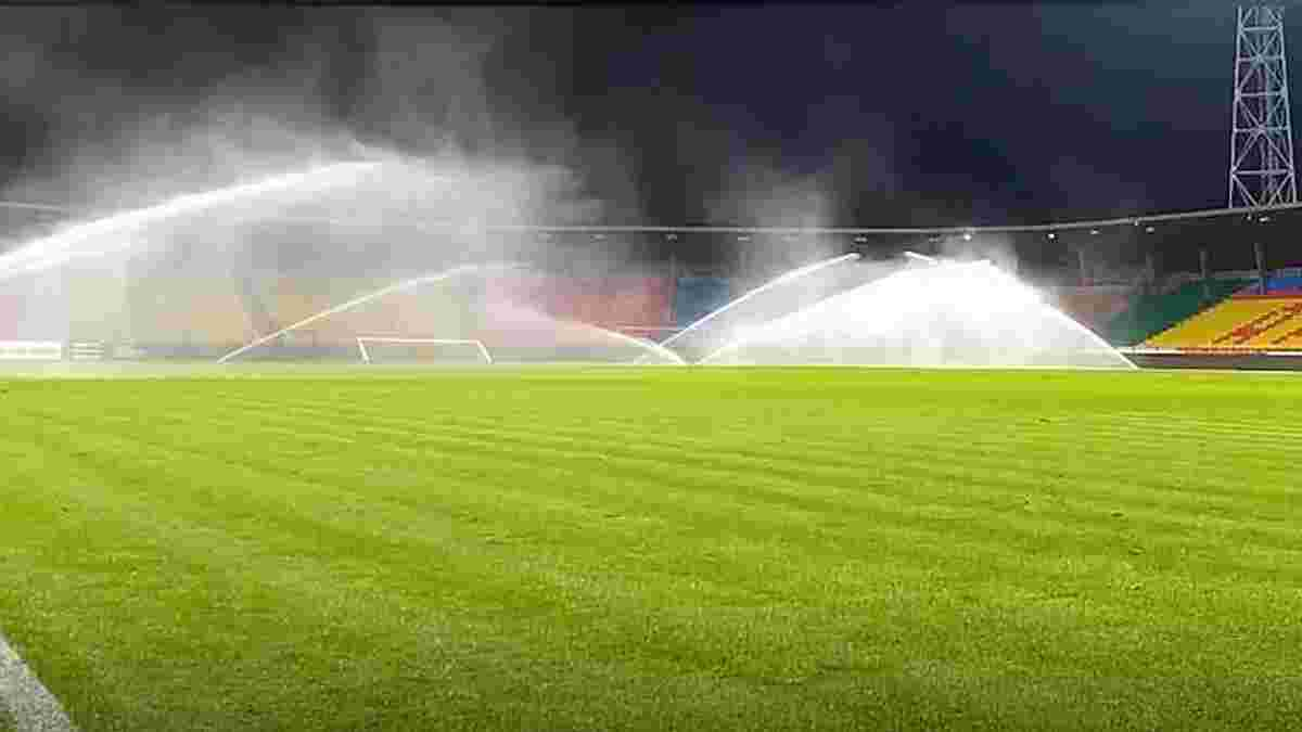 Динамо и Шахтер попросили полить поле перед началом финала Кубка Украины