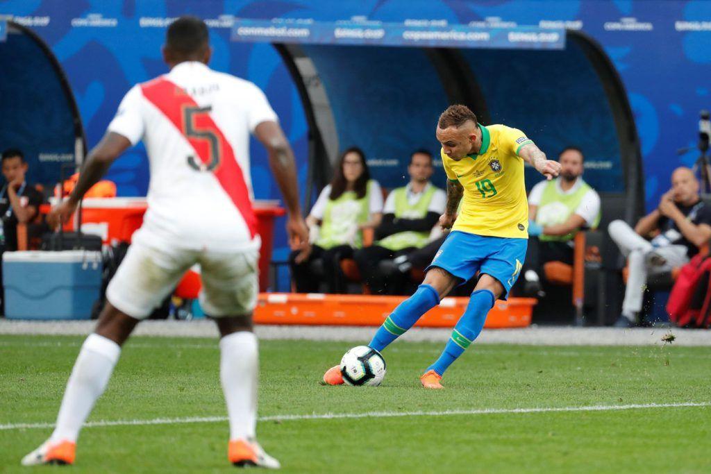 Футбол Бразилия - Перу 07.07.19 прямая трансляция