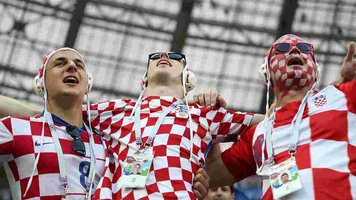 Хорватські вболівальники заспівали колискову для маленької словацької дівчинки – наймиліше відео дня