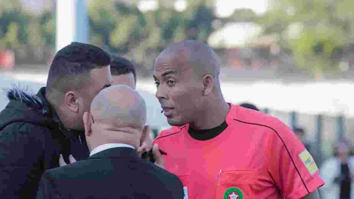 Арбитра из Марокко пожизненно отстранили от судейства – видео скандального матча