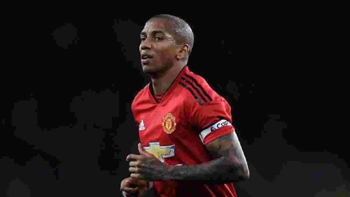 Янг отказался от нового контракта с Манчестер Юнайтед и может покинуть клуб уже зимой