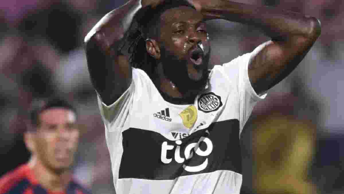 Адебайор покинув парагвайську Олімпію – екс-динамівець Дерліс залишився в клубі