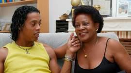 Мама Роналдінью померла після тривалої боротьби з COVID-19